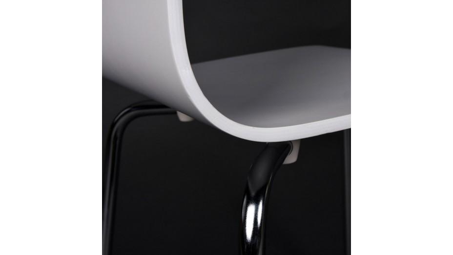 Erasme - Chaise simple en bois blanc avec pieds chromés