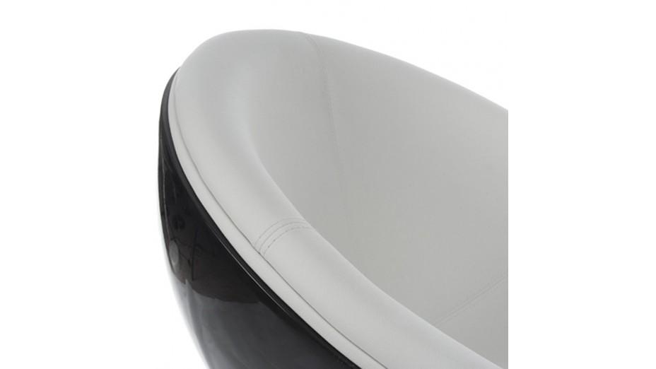ball fauteuil pivotant boule noire en simili cuir blanc. Black Bedroom Furniture Sets. Home Design Ideas