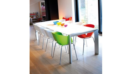 Table manger design pour le d ner en bois laqu e et en for Table a diner extensible