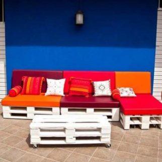 chaise longue orientable en palettes avec roulettes. Black Bedroom Furniture Sets. Home Design Ideas