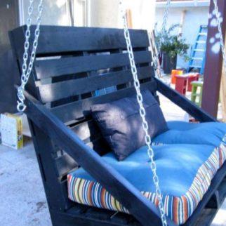 canap balancelle en palettes. Black Bedroom Furniture Sets. Home Design Ideas