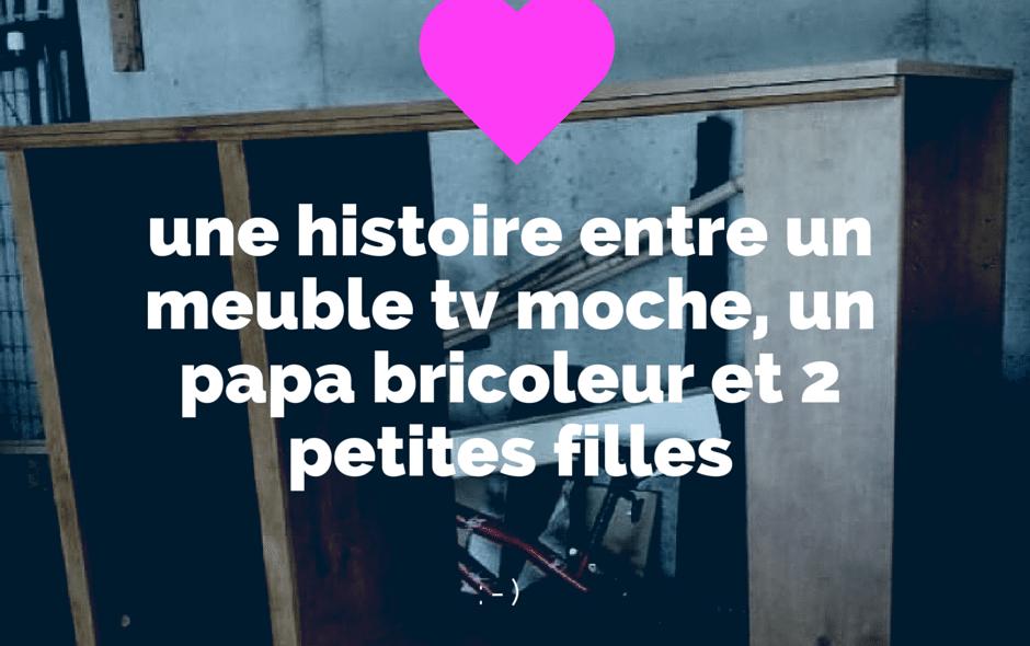 Un Papa rend fou de joie sa fille avec un vieux meuble TV !