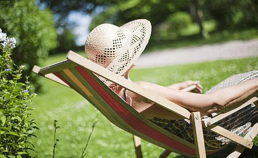 4 idées de chaises longues à adopter pour l'été !